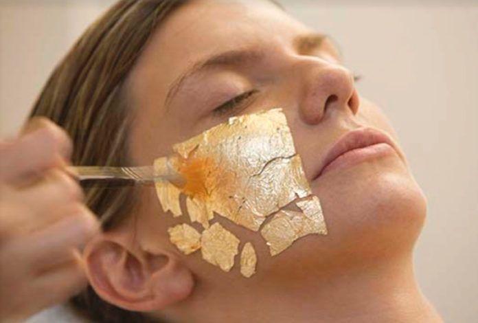 El oro en el uso de la cosmética