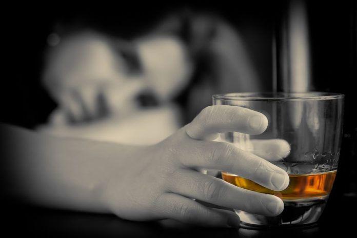 mujeres con adicción al alcohol
